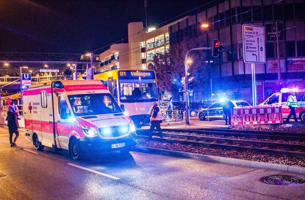 Die Stadtbahn war erst 30 Meter angefahren, rechtzeitig bremsen konnte sie aber nicht mehr. Foto: 7aktuell.de/Max Kurrer