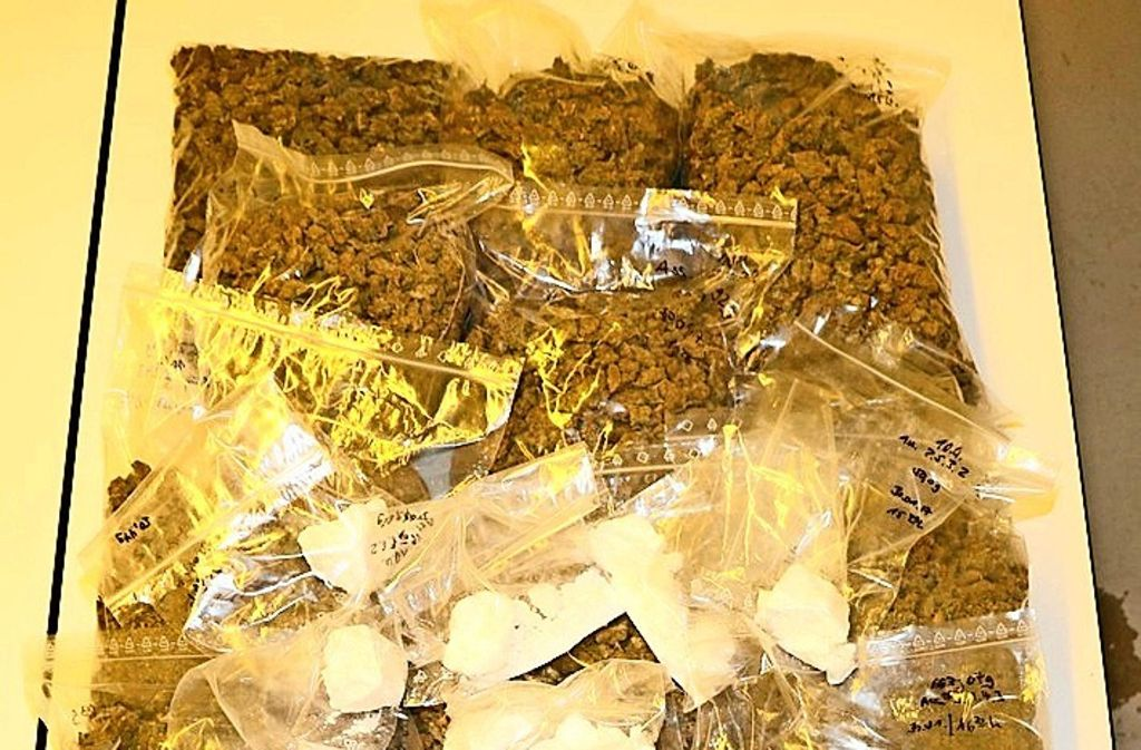 Marihuana und Kokain aus den Niederlanden ist  in der Region sichergestellt worden. Bis es so weit war, ermittelte die Polizei monatelang. Foto: Polizei