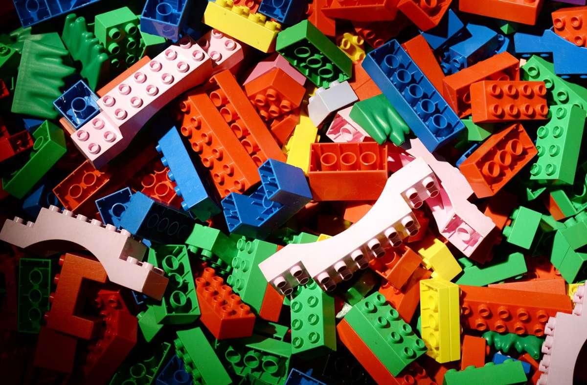 Lego will mit Geschlechterstereotypen aufräumen. Foto: dpa/Jens Kalaene