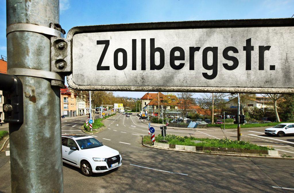 Die Zollbergstraße muss im unteren Bereich wegen Hangrutschungen saniert werden. Die Arbeiten sind aufwendig. Foto: Horst Rudel