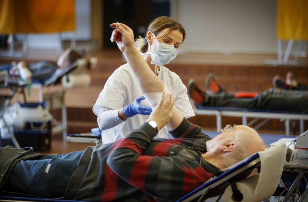 Die Blutspender schätzen die größerer Ruhe beim neuen Spendenablauf. Foto: /Gottfried Stoppel