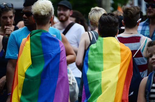 Forderung nach gleichen Rechten und mehr Liebe