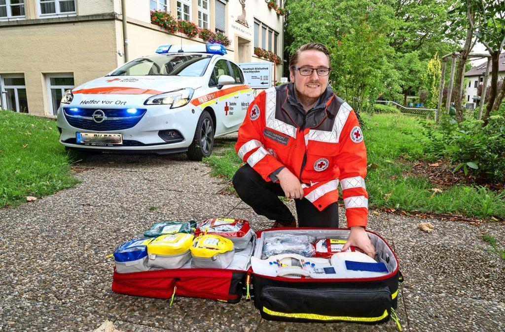 Alles dabei: Lutz Humbert mit seiner Ausrüstung als Helfer vor Ort Foto: factum/