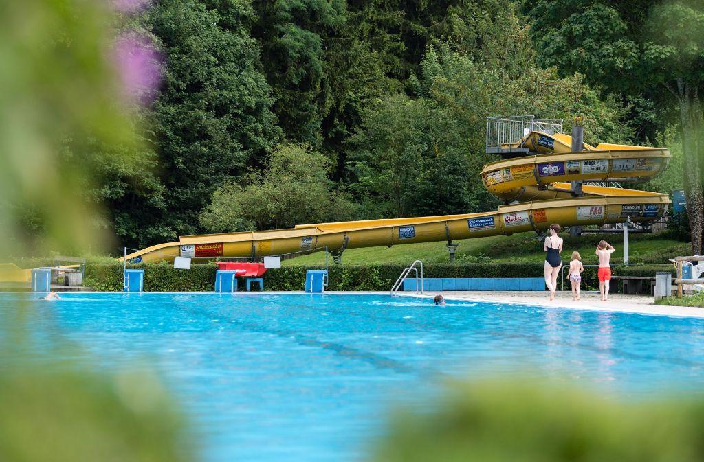 Lediglich 200 Euro sollte die fast 60 Meter lange und knapp fünfeinhalb Meter hohe Rutsche kosten.  Foto: dpa