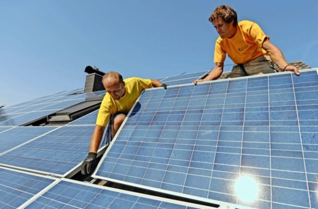 In vielen Gemeinden schließen sich Bürger zusammen, um sich unabhängig von Konzernen mit Strom und Wärme zu versorgen. Foto: dpa