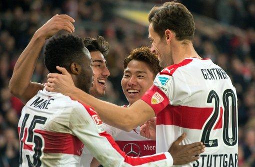 VfB Stuttgart liefert sich heißen Kampf
