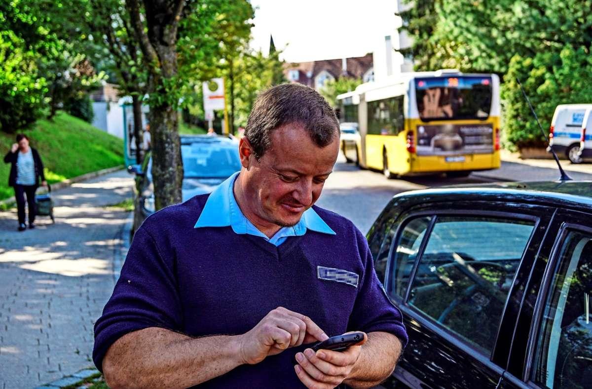 Kontrollaktion vor drei Jahren in Filderstadt: Die Verstöße werden via Smartphone ins Rechenzentrum versandt Foto: Archiv SDMG/Krytzner