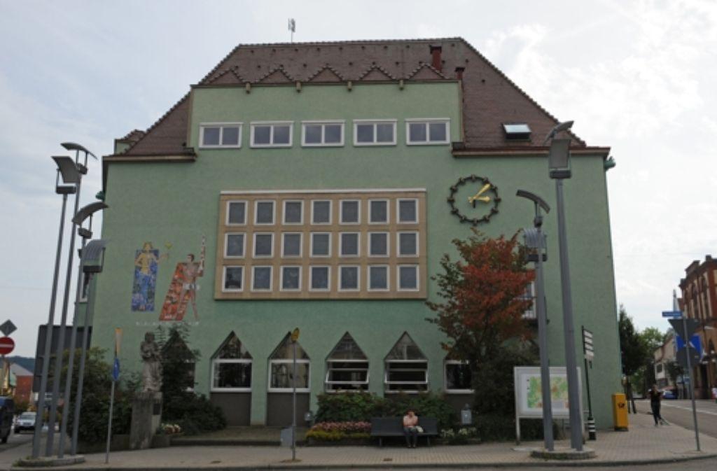 Das renovierte Rathaus von Schwenningen. Die Bürger wollten nicht, dass es durch einen neuen Verwaltungstrakt zwischen den Stadtteilen ersetzt wird. Foto: dpa