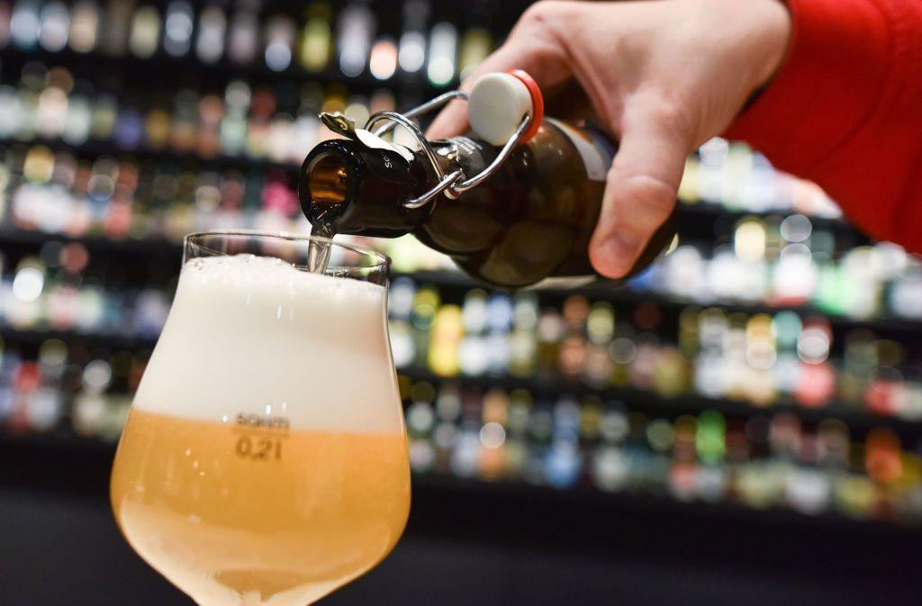 Bestimmte Flaschenbiere werden im neuen Jahr teurer. Foto: dpa