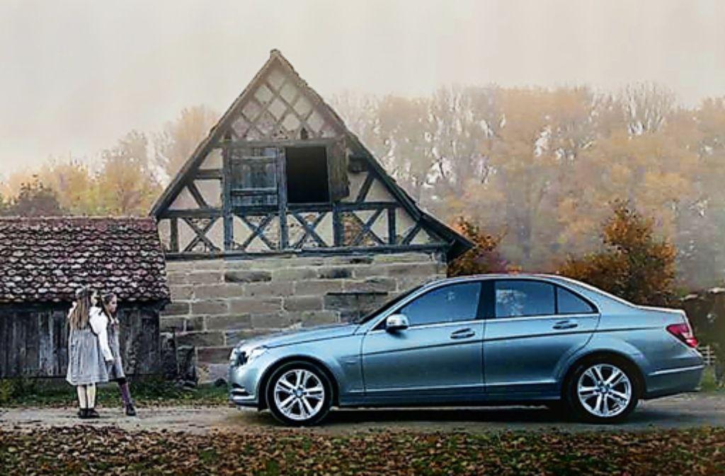 Vor den Mädchen bremst der Mercedes, Foto: dpa/Filmakademie