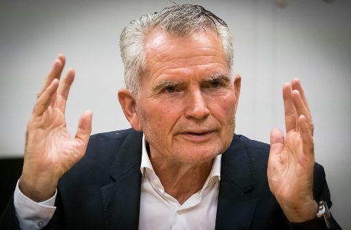 Das sagt Dietrich zu den Wechsel-Gerüchten um Hannes Wolf