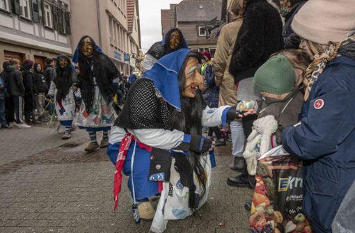 Narren und Pferde beherrschen die Stadt