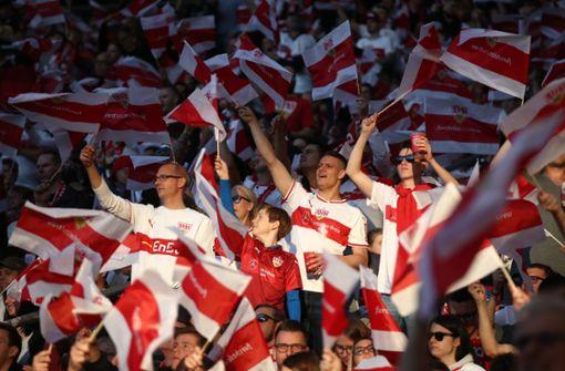 Liveblog zur Relegation: Anlaufstelle für ticketlose VfB-Fans in Berlin
