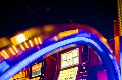 Strengere Gesetzesvorgaben dämmen das Glücksspielgeschäft in der Stadt ein. Foto: Steinert