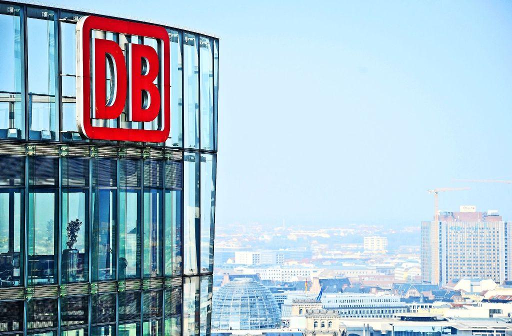 Im Bahntower in Berlin geht es am Mittwoch um Stuttgart21. Foto: dpa