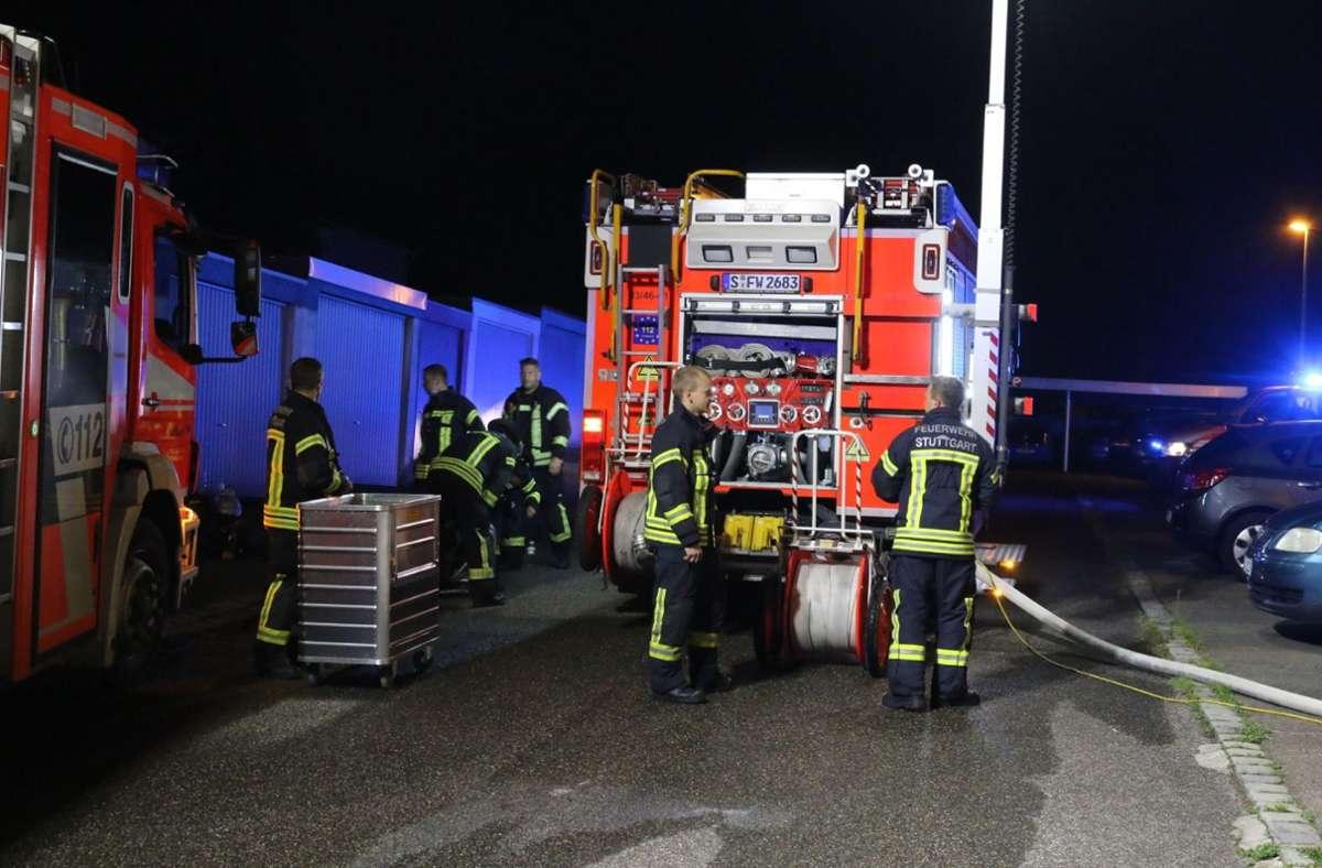 Die Feuerwehr musste am Samstagabend nach Stuttgart-Bad Cannstatt ausrücken. Foto: SDMG/Pusch