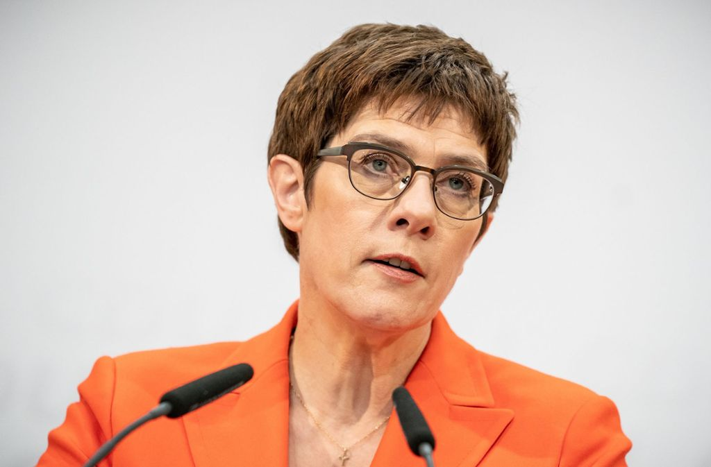 Annegret Kramp-Karrenbauer (CDU) beobachtet Gutes und weniger Gutes, das in Folge des Coronavirus in Deutschland zutage komme. (Archivbild) Foto: dpa/Michael Kappeler