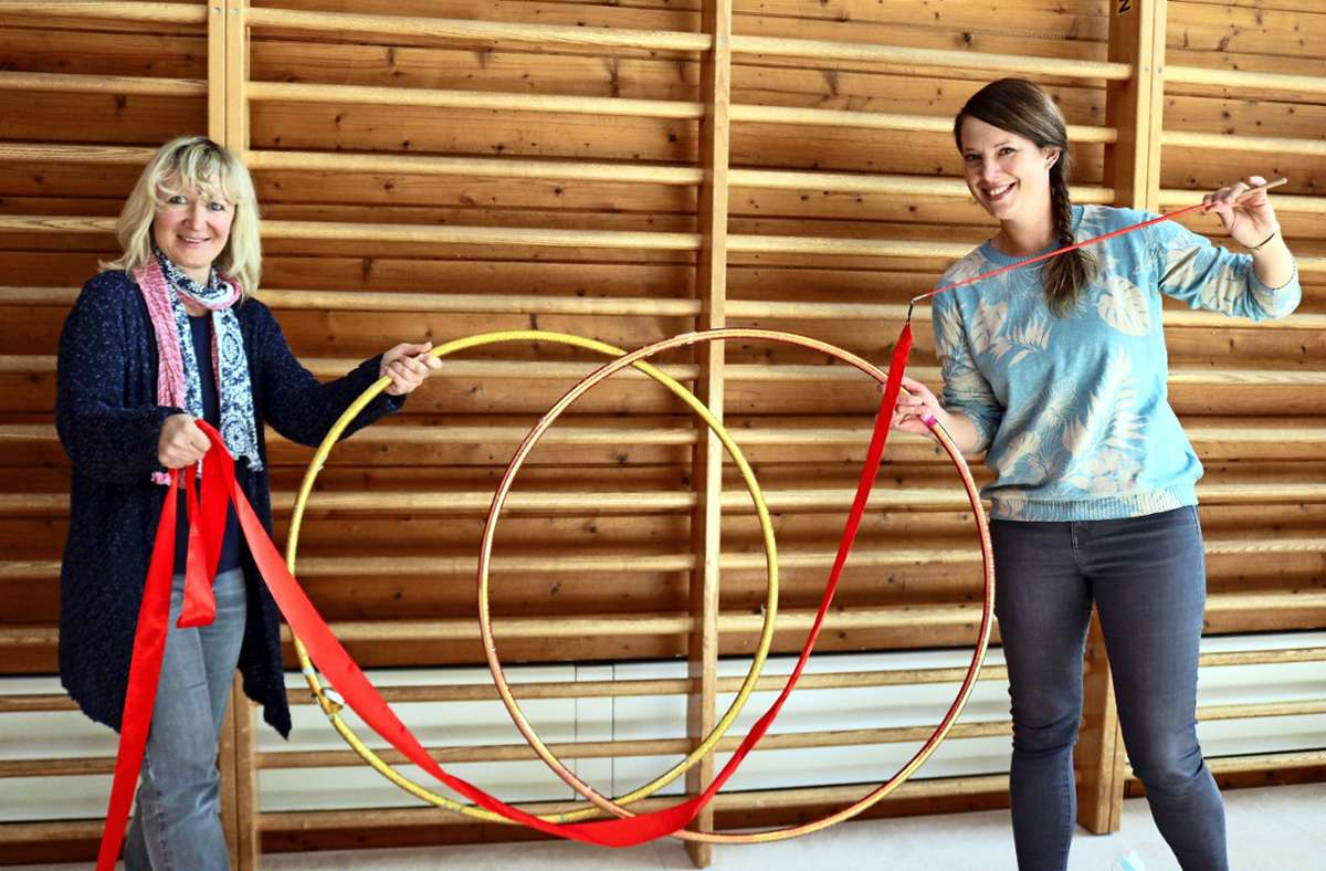 Die beiden Lehrerinnen Claudia Vögele (links) und Isabella Schwarz verbindet die Liebe zu Gymnastik und Tanz und der Einsatz für den Stützpunkt in Schmiden. Foto: Eva Herschmann
