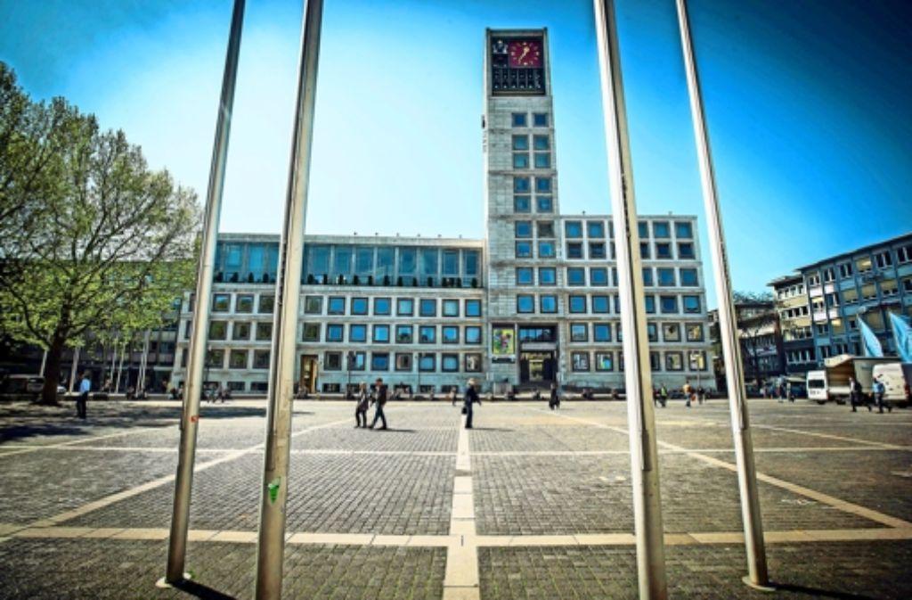 So leer soll es auf dem Marktplatz bald nicht mehr sein: Die Stadt wünscht sich eine mobile Gastronomie auf der Mitte des Platzes. Foto: Achim Zweygarth