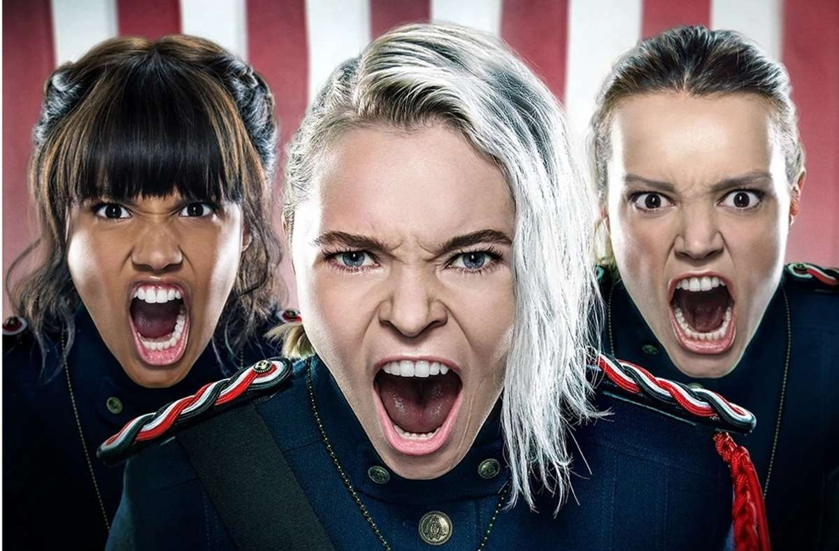 Hexenrekrutinnen im Dienst der US-Armee (von links): Abigail (Ashley Nicole Williams), Raelle (Taylor Hickson) und Tally (Jessica Sutton) Foto: Freeform/Amazon Prime