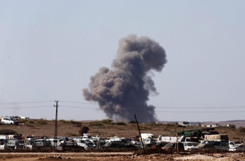 Die Allianz versucht, die kurdischen Kämpfer in Kobane gegen das Vorrücken des IS zu unterstützen. Foto: dpa