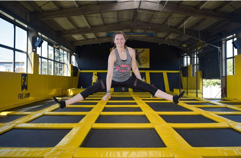 Franziska Gebauer bietet zwei Mal pro Woche Fitnesskurse in der Sprungbude an. Foto: Lichtgut/Max Kovalenko