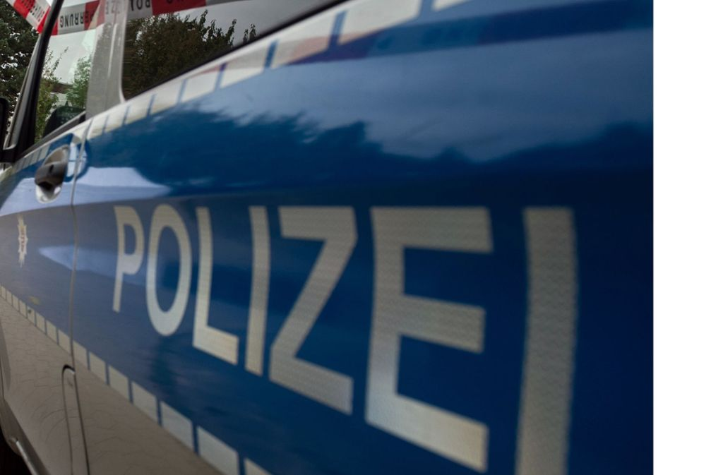 Rund 30 Polizeibeamte haben nach Angaben eines Sprechers am Montag nach dem Jäger gesucht. Foto: dpa