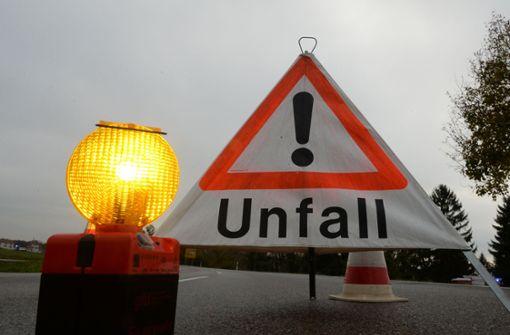 Lkw-Fahrer stirbt bei Auffahrunfall auf der A5