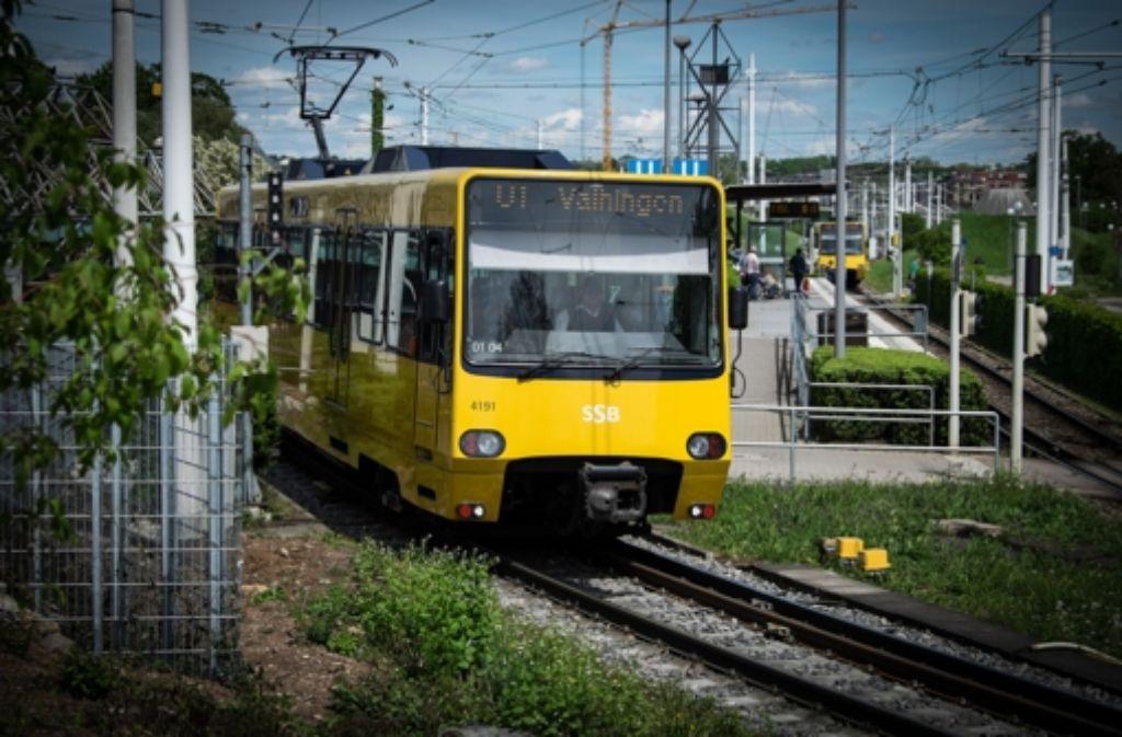 Mehr Menschen nutzen Bus und Bahn Foto: Lichtgut/Achim Zweygarth
