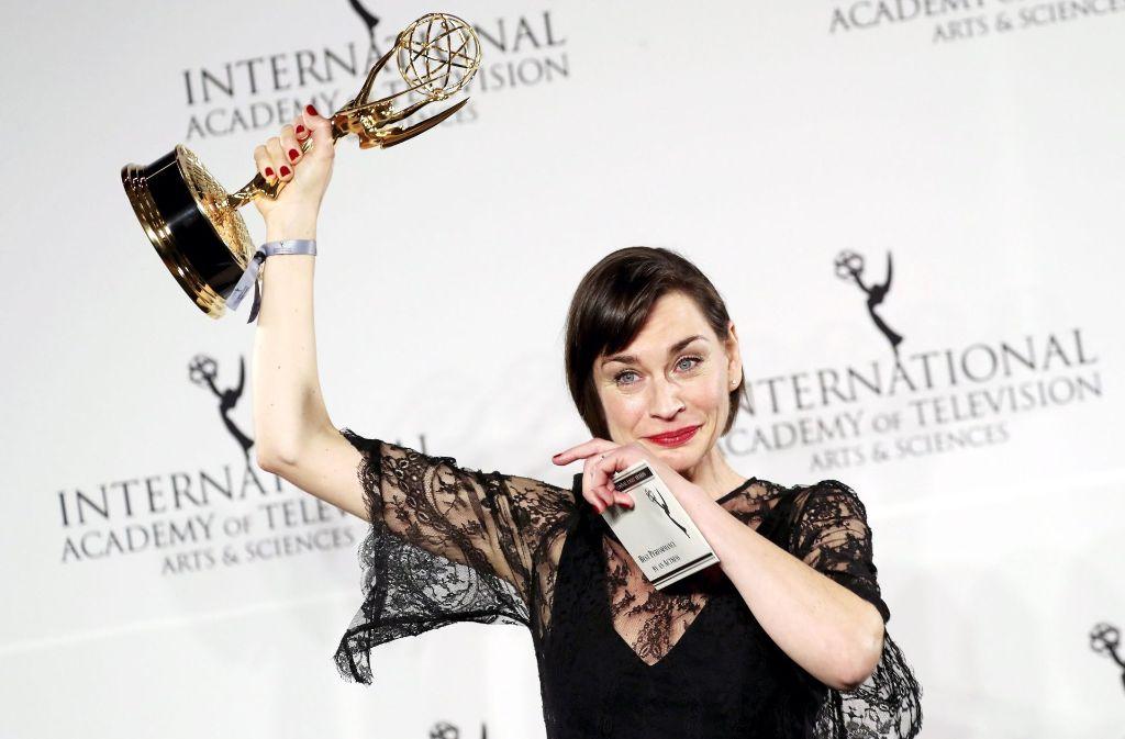 """Christiane Paul erhielt den Preis als beste Hauptdarstellerin für ihre Rolle im ARD-Film """"Unterm Radar"""". Foto: dpa"""