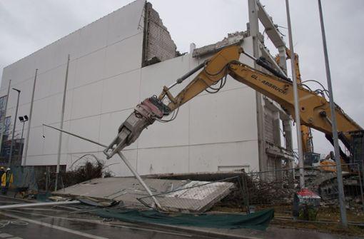 Tonnenschwere Wände stürzen ein und lösen Dominoeffekt aus