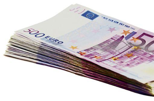 Maklerin verheimlicht mehrere Bankkonten
