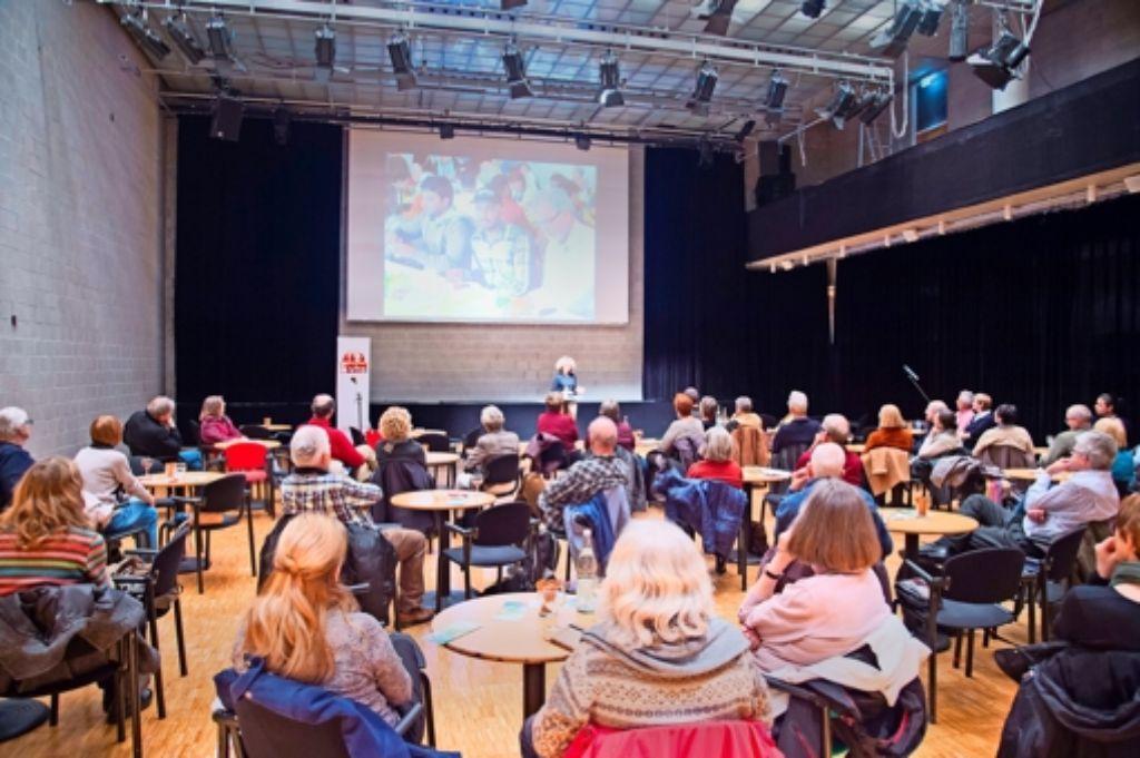 Die persönlichen Erlebnisse der StZ-Redakteurin Andrea Koch-Widmann sind auf großes Interesse getroffen. Foto: Martin Stollberg