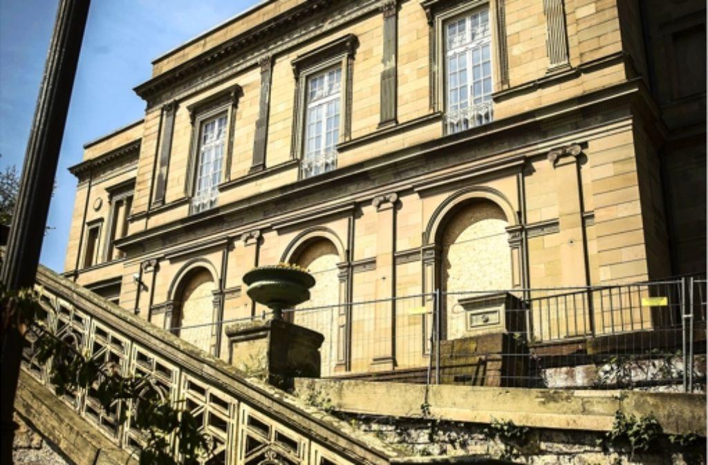 Der Gemeinderat will noch vor der Sommerpause einen Grundsatzbeschluss zur Zukunft der immer weiter verfallenden Villa Berg. Foto: Achim Zweygarth