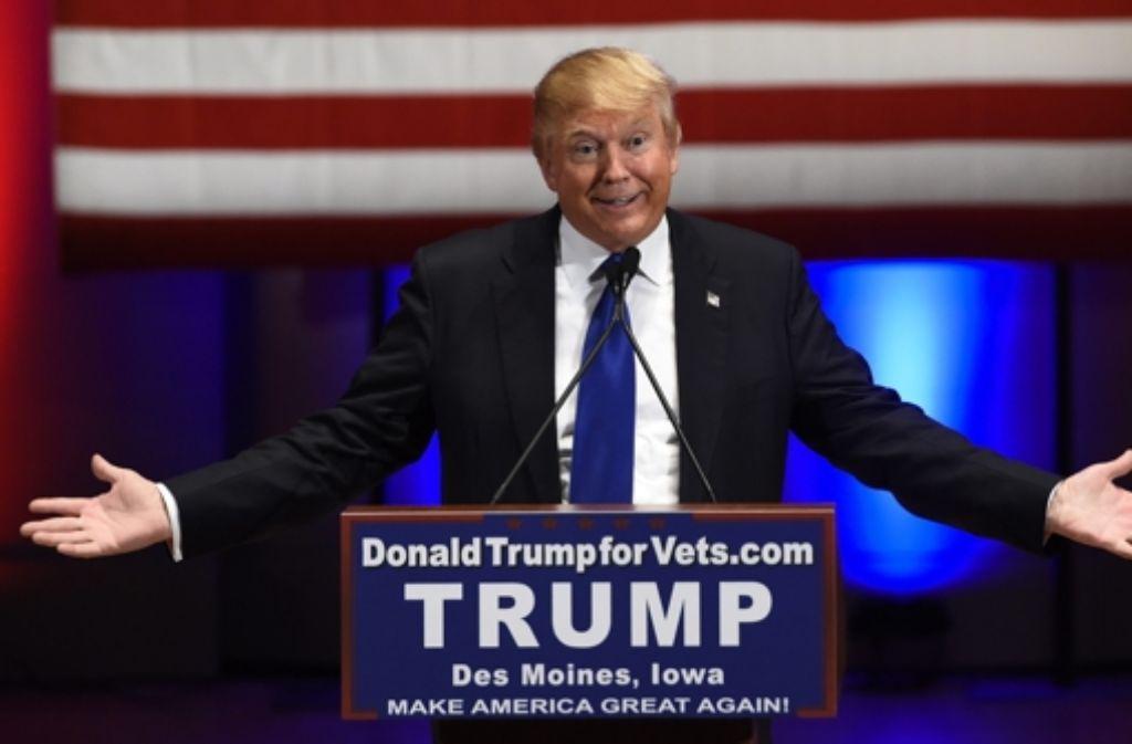 Donald Trump blieb der letzten TV-Debatte der Republikaner fern und inszeniert lieber seine eigene Show. Foto: dpa