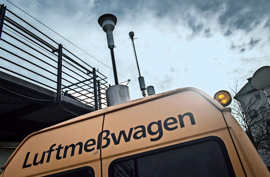 Wie belastet ist die Luft mit Schadstoffen? – In Stuttgart wird intensiv gemessen. Foto: Lichtgut/Max Kovalenko