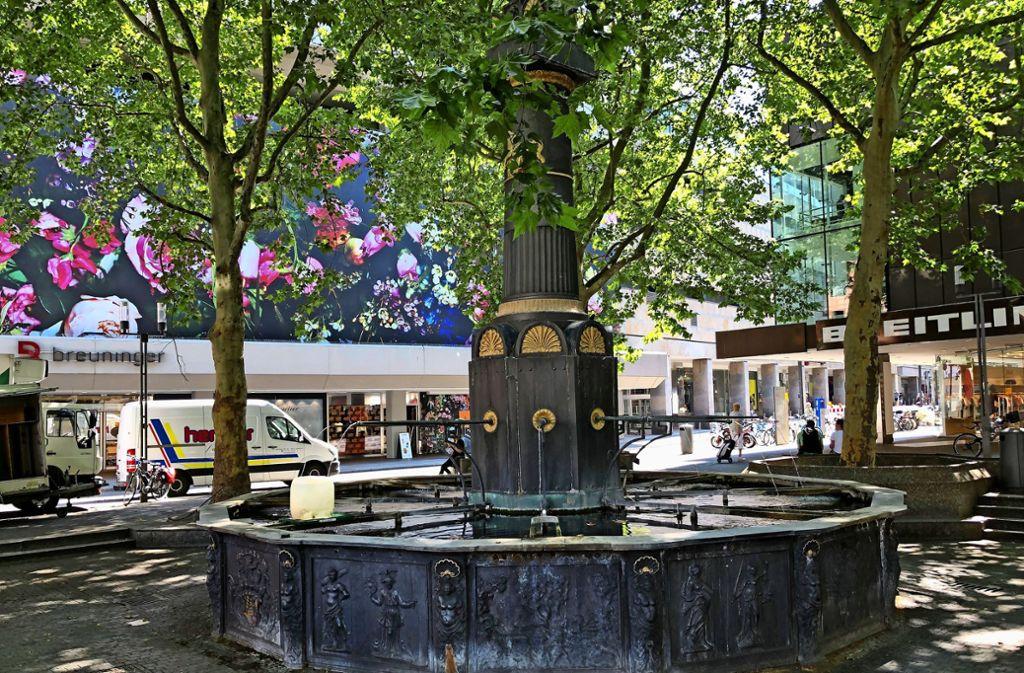 Brunnen am Marktplatz versorgt auch die Markt-Beschicker mit Wasser. Foto: Martin Haar