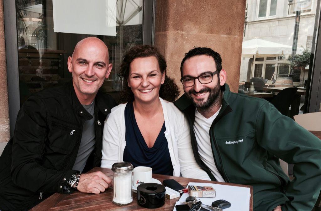 Ein Herz und eine Seele: Juan Miguel Blanco del Rio mit seinen Geschwistern Sonia und David (von links). Foto: Tanja Simoncev
