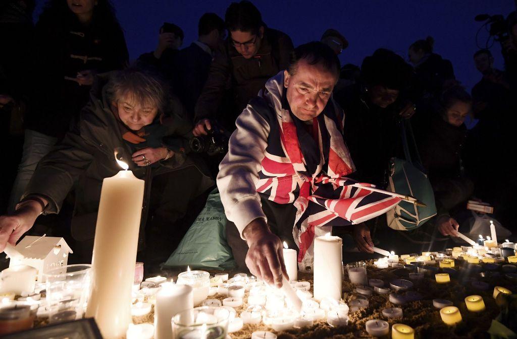 Vor dem Trafalgar Square entzündeten die Menschen ein Meer aus Kerzen. Foto: Getty Images Europe