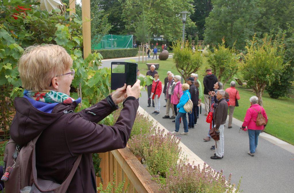 Festgehalten: Ein Erinnerungsfoto vom Gartenschau-Balkon im Schorndorfer Stadtpark Foto: Sascha Schmierer