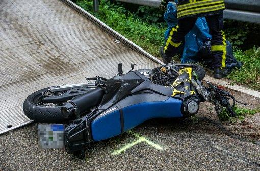 Motorradfahrer stirbt an seinen Verletzungen