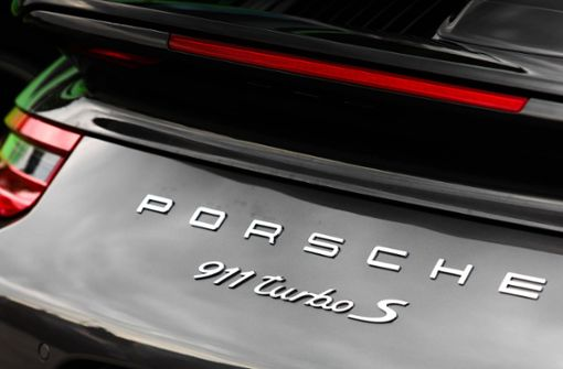 22-jähriger Porsche-Fahrer schwer verletzt – immenser Schaden