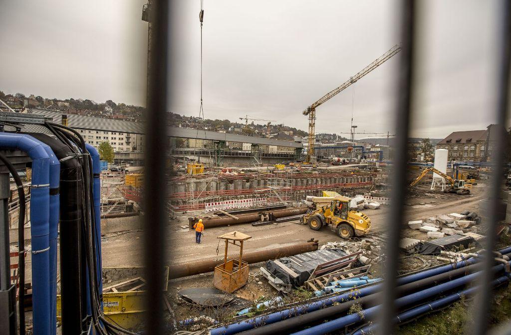 Beim Bahnhofsbau sollen  zwölf Monate  aufgeholt werden. Foto: Lichtgut/Leif Piechowski