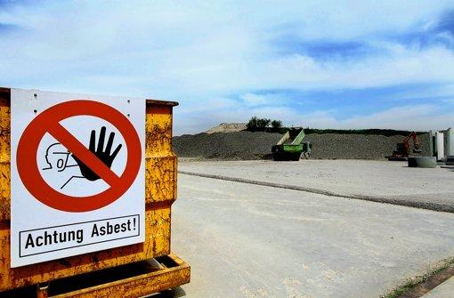 Auf der Deponie Froschgraben wird Eternit fachgerecht abgelagert. Foto: factum