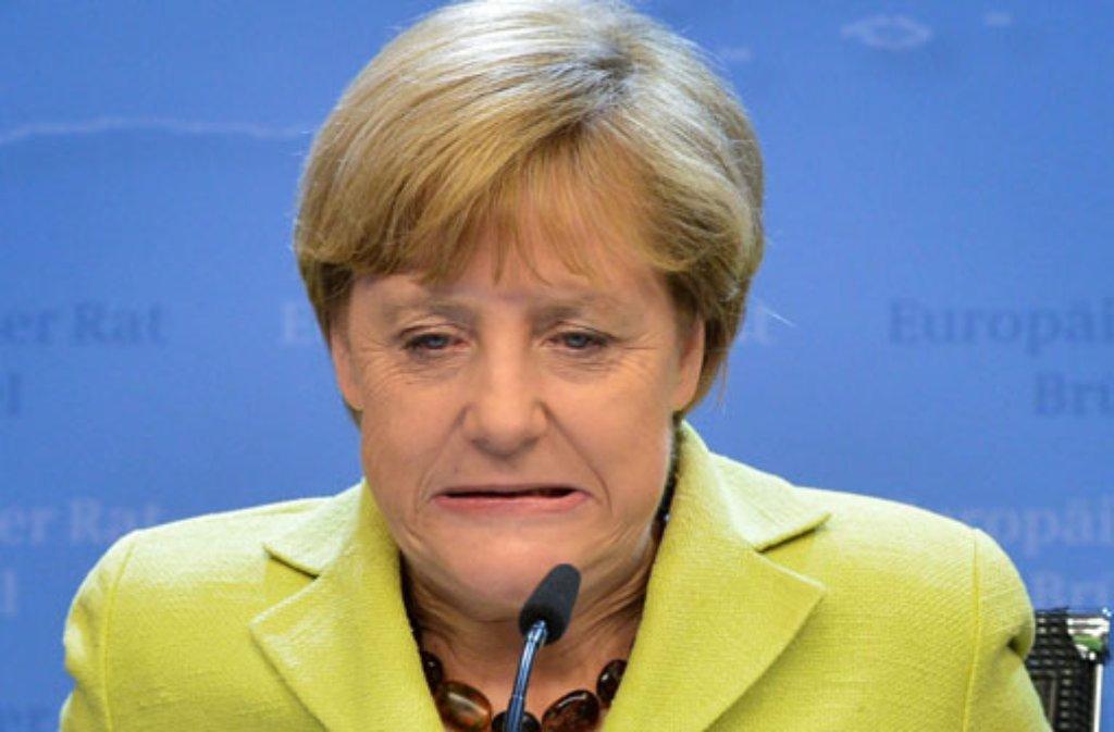 Ob sich Bundeskanzlerin Angela Merkel tatsächlich einen Eimer Eiswasser über den Kopf schüttet? Wer die verrückte Ice Bucket Challenge schon bestanden hat... Foto: dpa