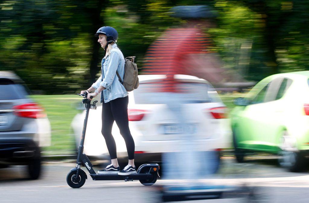 Seit dem 15. Juni dürfen E-Scooter hierzulande auf Radwegen und Straßen fahren. Foto: dpa