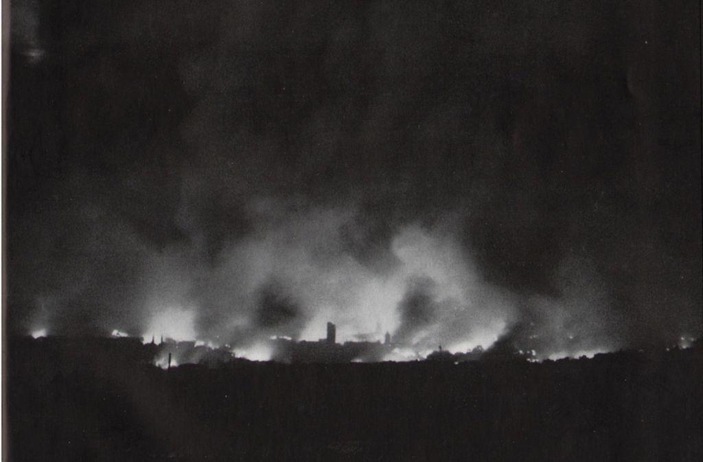 Vom 15. auf den 16. März 1944 wurden mehrere Dörfer auf den Fildern in Schutt und Asche gelegt. Foto: Stadt Stuttgart, Stadtgeschichtliche Sammlungen F 2045/63