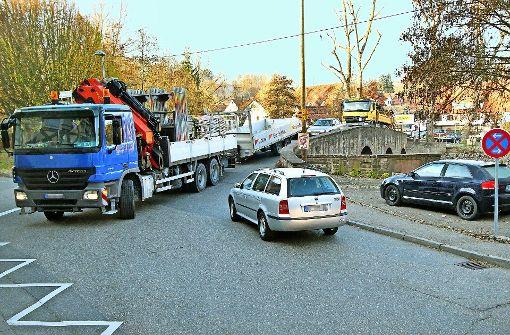 Wird die historische Brücke  für Lastwagen gesperrt?