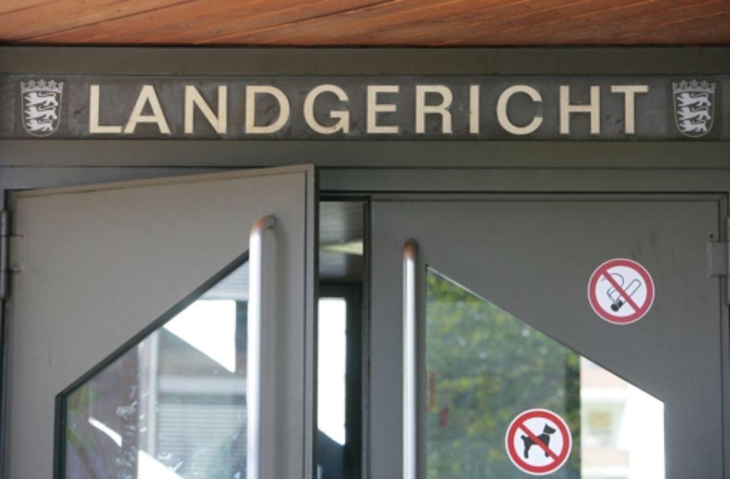Vor dem Stuttgarter Landgericht geht es um manipulierte Fußballspiele Foto:  Zweygarth