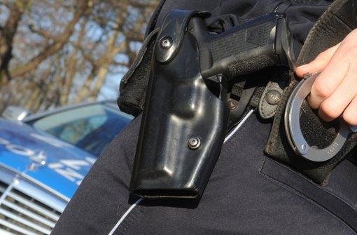 68-Jähriger bedroht Sohn mit Pistole